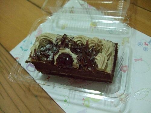 彌月蛋糕試吃 - 黑森林蛋糕一塊